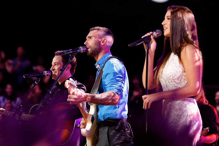 Adam-Levine-and-DeAnna-Johnson-01-7501.jpg